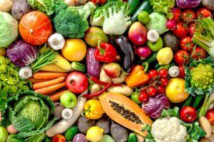 Vitalstoffreiche Ernährung sowie Milchprodukte unterstützen eine gesunde Darmflora